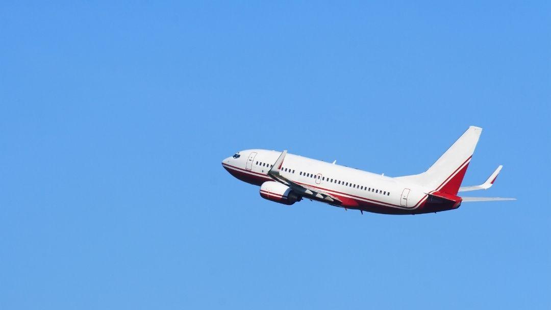 Linie lotnicze powiększają ofertę turystyczną. Dla biur podróży to jednocześnie szansa i zagrożenie.